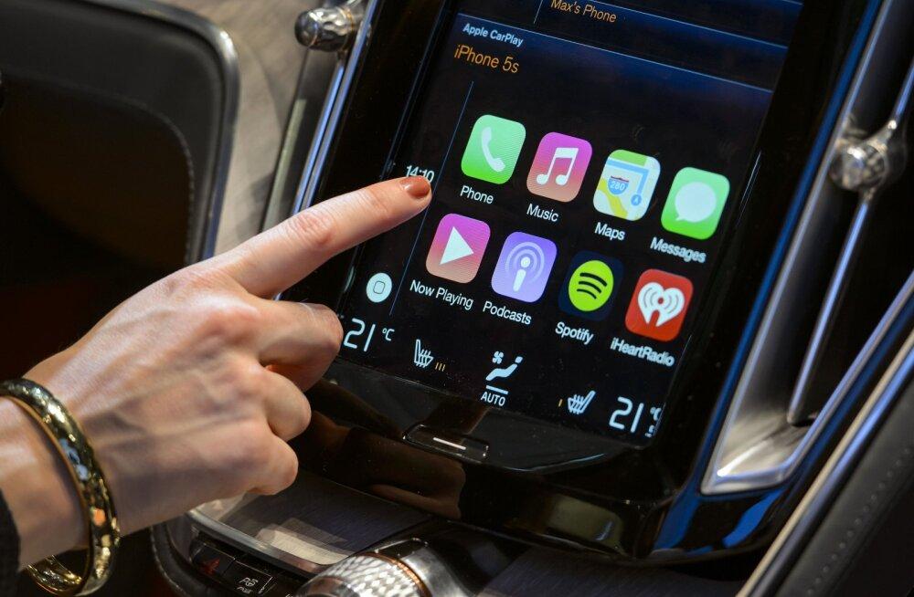 Apple'i esimene samm autotehnikasse: CarPlay liides, mis ühendab telefoni ja auto keskkonsooli