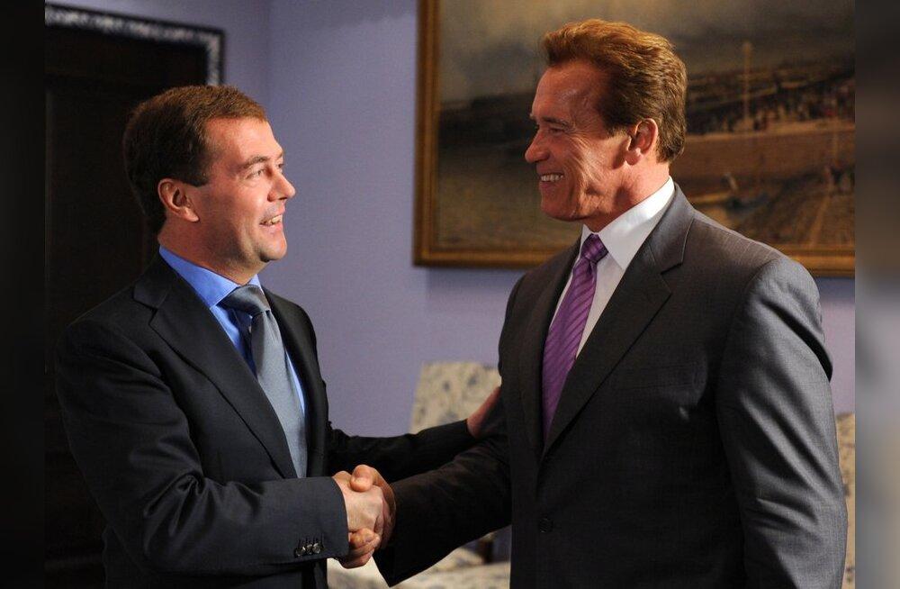 Schwarzenegger tegi Medvedevile ettepaneku suusatama minna