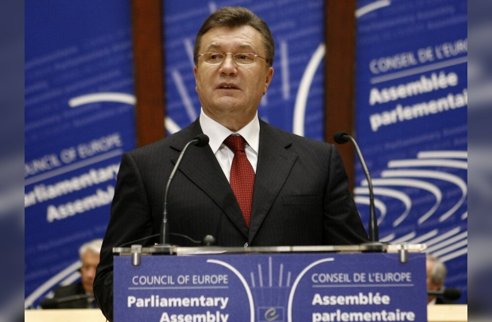 Ukraine's President Viktor Yanukovich delivers a speech to the Parliamentary Assembly of the Council of Europe in Strasbourg April 27, 2010.  REUTERS/Jean-Marc Loos (FRANCE - Tags: POLITICS)