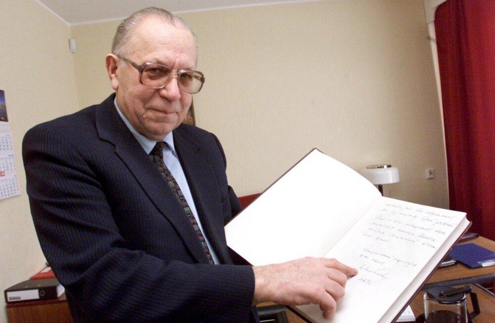 ENSV rikkad   Autasudega ülekullatud peremees, kellele tulnuks seaduse järgi pronksbüst püstitada