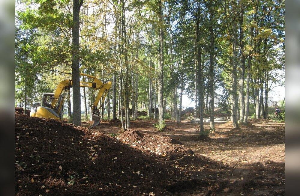 Luunjas alustati Münnichite ja Nolckenite memoriaalpargi rajamist