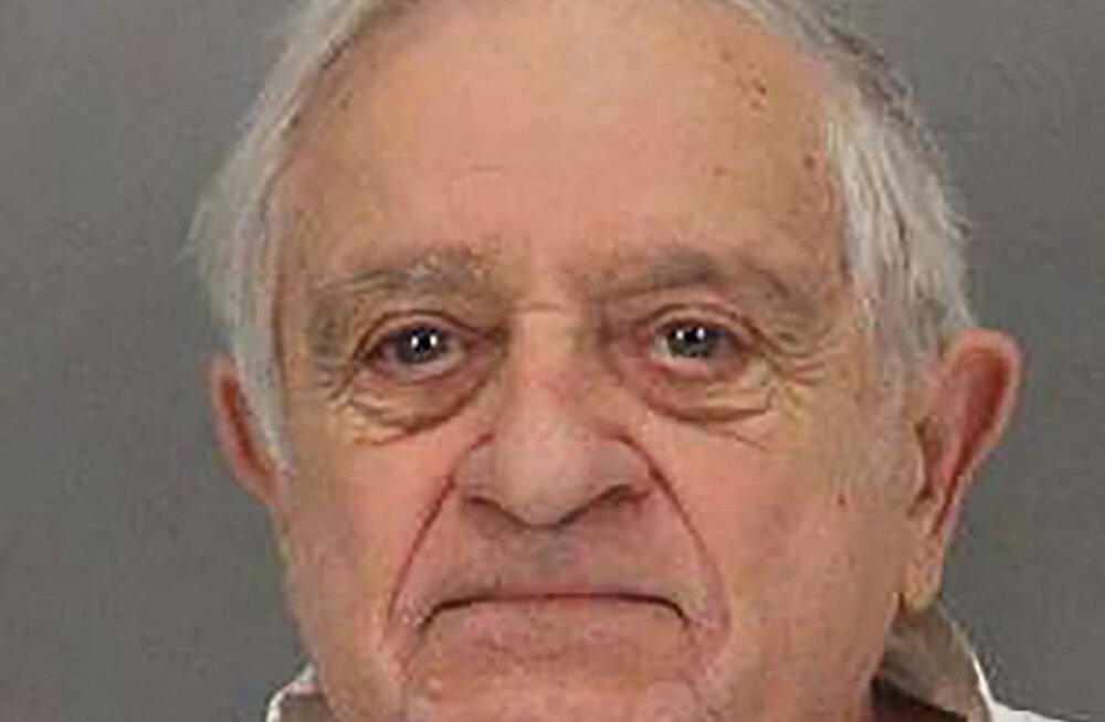 Nutikell aitas kasutütre mõrvanud 90-aastase mehe süüdi mõista
