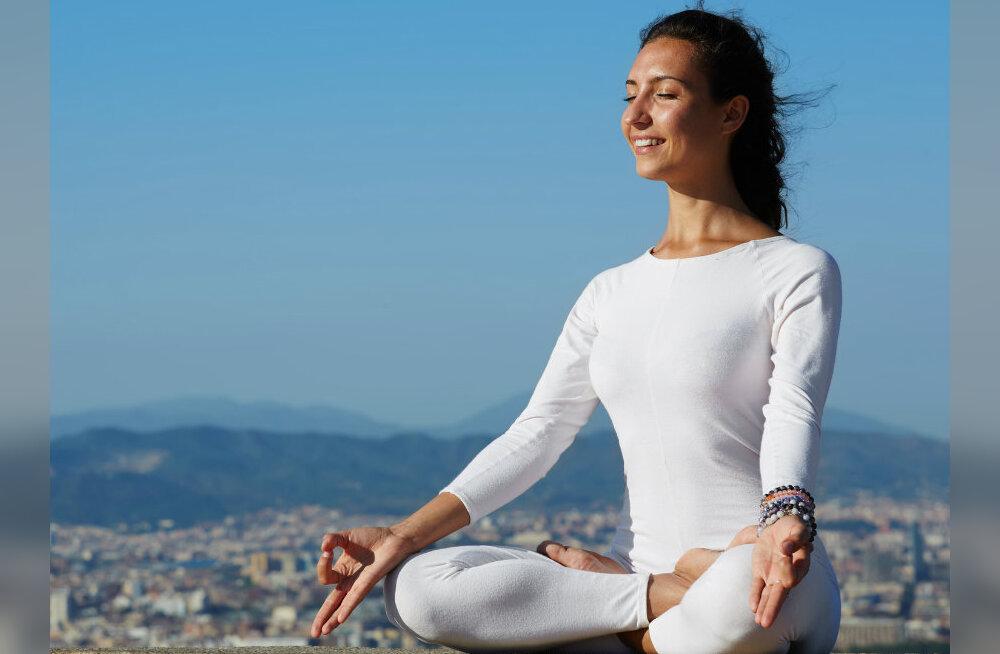 OSHO õpetab sisemise naeratuse meditatsiooni, millega olla õnnelik 24h