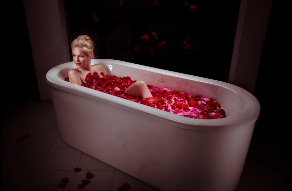 PILDID | Villeroy & Boch taaslavastas tuntud filmide ikoonilised vannitoa stseenid