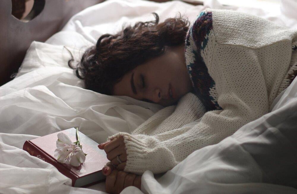 Arstid soovitavad: hämmastavalt lihtne trikk, mis garanteerib sulle igaks järgnevaks ööks hea une