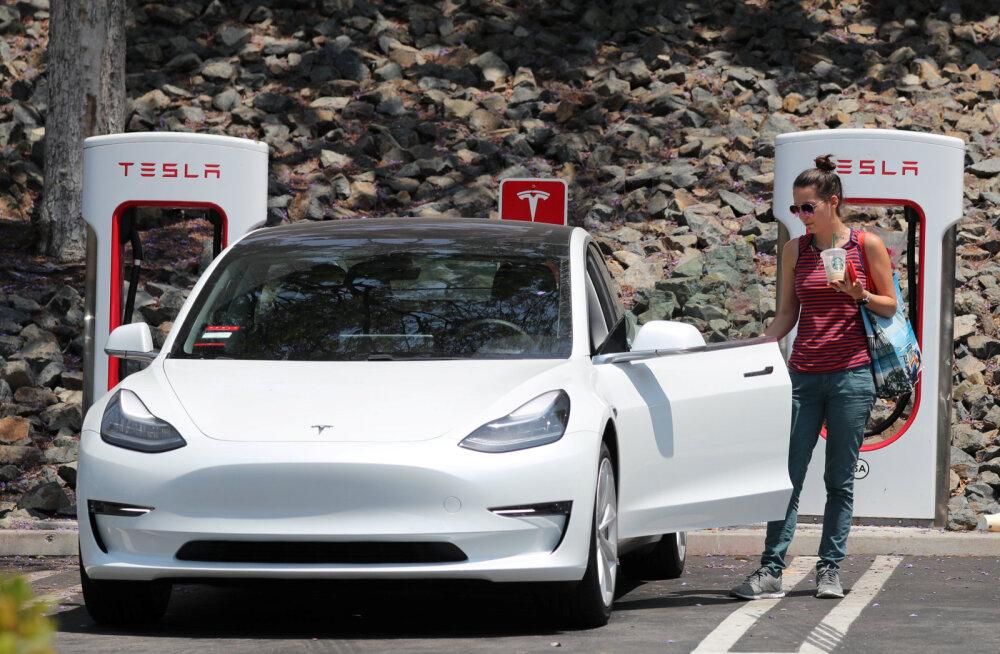 Elon Musk lubab: järgmisest aastast on Euroopa 100% varustatud Tesla superlaadijatega