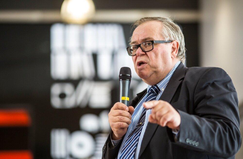 Tartu linnavolikogu juhtinud Aadu Must läheb riigikokku, volikogu esimehe kohale esitati Vladimir Šokman