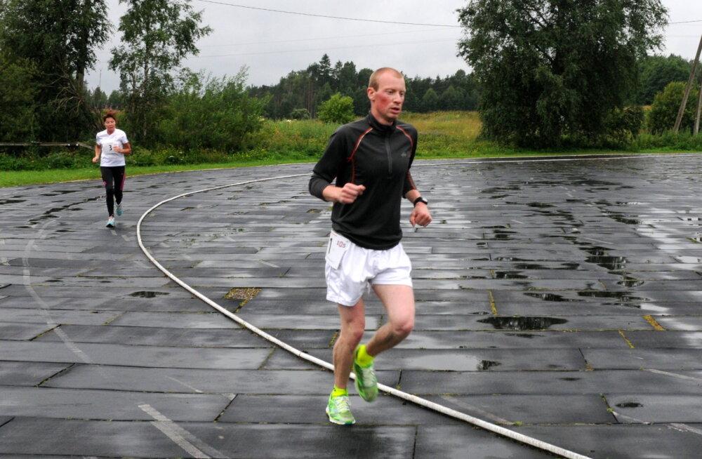 Ida-Virumaa staadionimaratonil läbiti 24 tunniga 137 kilomeetrit