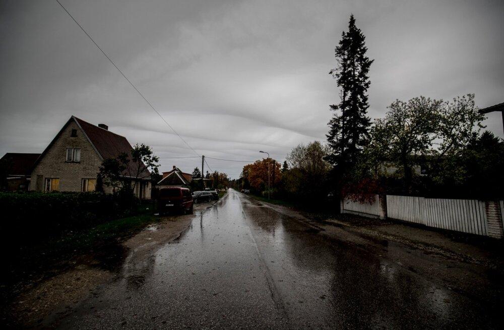 Ilmateadlane Jüri Kamenik selgitab pilvede võimalikku süüd pimeda sügise tekitamisel