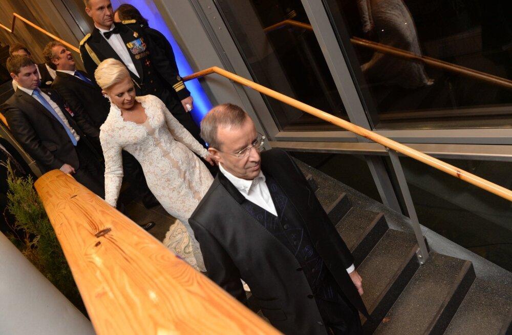 11 aastat, 11 kaadrit: tänasest ei ole Eestil enam presidendipaar, vaid ainult president