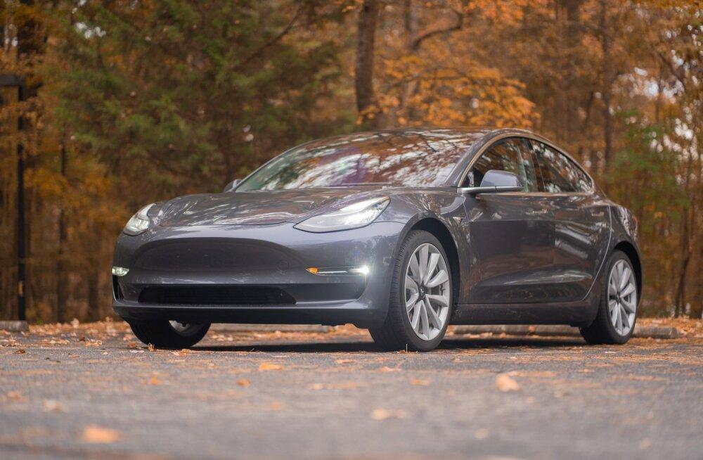 Tesla oli Model 3 ilmumise eel peaaegu surnud, aga see auto suutis tootja siiski päästa