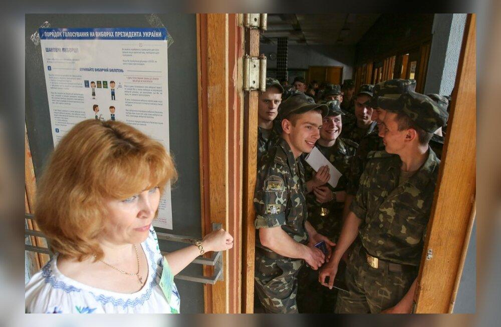 Ukraina presidendivalimistel peab korda üle 82 000 korravalvuri
