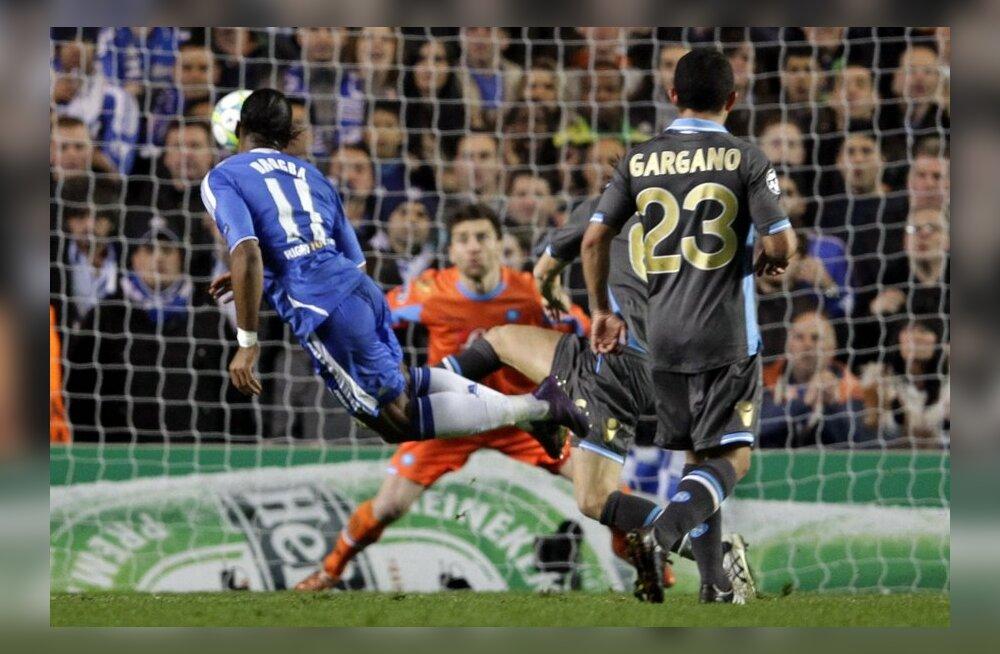 Didier Drogba lööb värava