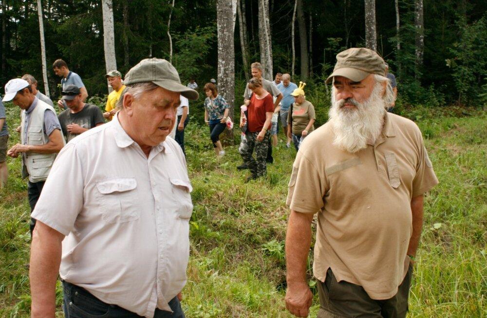 Erametsaomanikud pidasid läinud aastal suvepäevi Ruunaveres ja käidi külas ka 2016. aasta parima metsamajandaja Rain Ajaotsal.