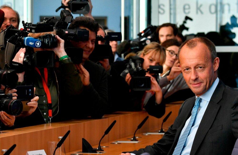 Friedrich Merzi möödunud nädalal peetud pressikonverents oli ajakirjanikke triiki täis, sest sellist poliitikasse naasmist pole Saksamaal ammu nähtud.