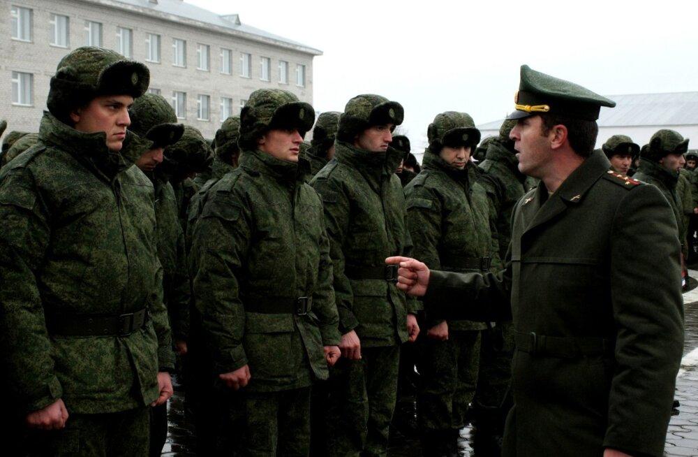 Lahinguvalmiduse kontrolli raames viidi häireseisundisse Pihkva ja Leningradi oblasti motolaskurväed