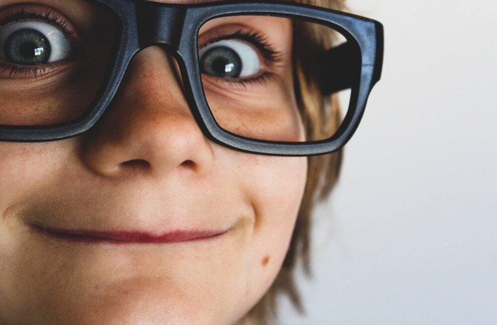 Разуй глаза. Как определить проблемы со зрением у ребенка?
