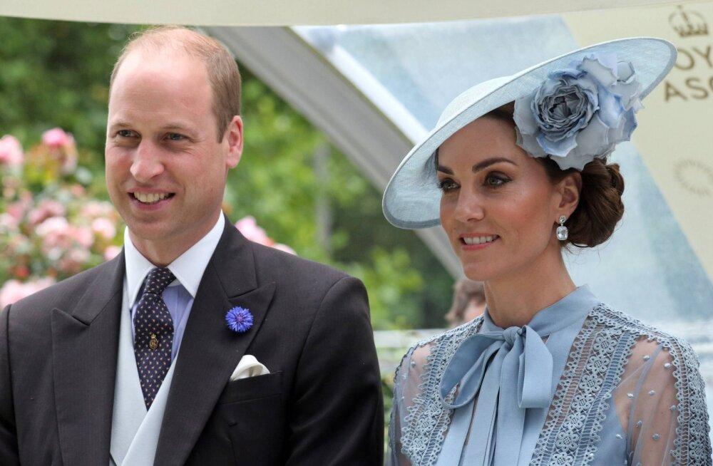 """Mis ometi juhtus? Prints William ja Kate Middleton ajasid oma """"hapude"""" näoilmetega fännid kihama"""