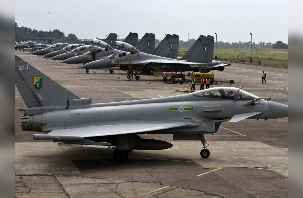 Suurbritannia suunab neli hävitajat Liibüas rünnakuid korraldama