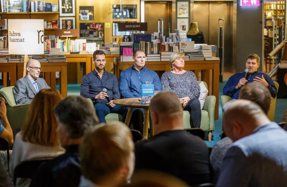Raamatu autor Deivil Tserp (vasakul) ja tema kõrval Eesti heiteareenide sangarid Magnus Kirt, Gerd Kanter, Eha Rünne ja Ants Kiisa.