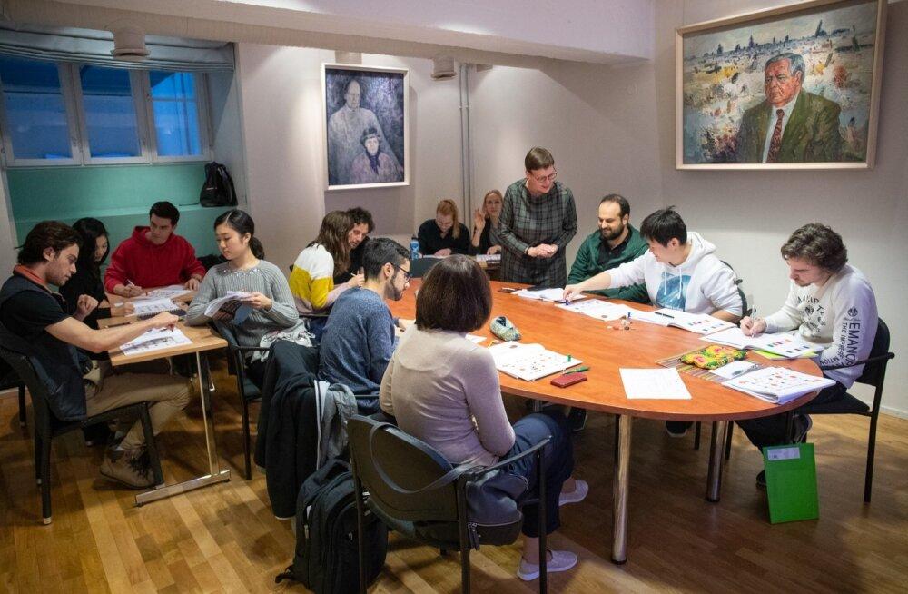 Rahvusooperi Estonia artistid eesti keele tunnis
