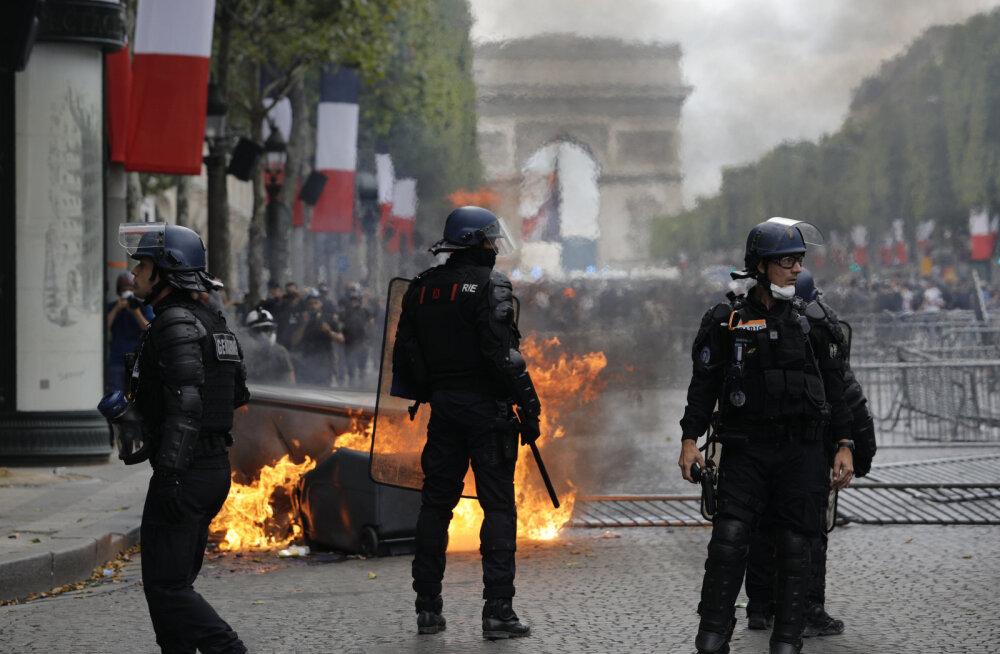 VIDEO | Bastille päeva paraadil vilistati Macron välja, tänavatel toimusid rahutused
