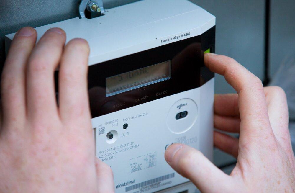 Elektrilevi kaugloetav elektriarvesti ei edastanud pool aastat näite. Kohusetundlikult arveid tasunud klient sai sellest teada 200-eurose lisanõudega