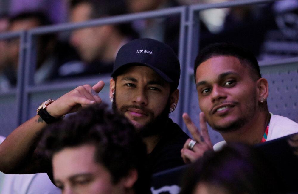 Neymar vaatas teisipäeval Rafael Nadali mängu
