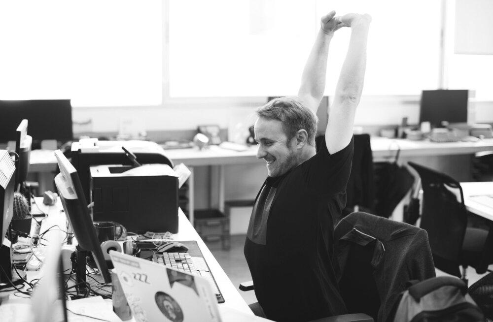Kümme lihtsat nippi, et tööpäeval rohkem liikuda