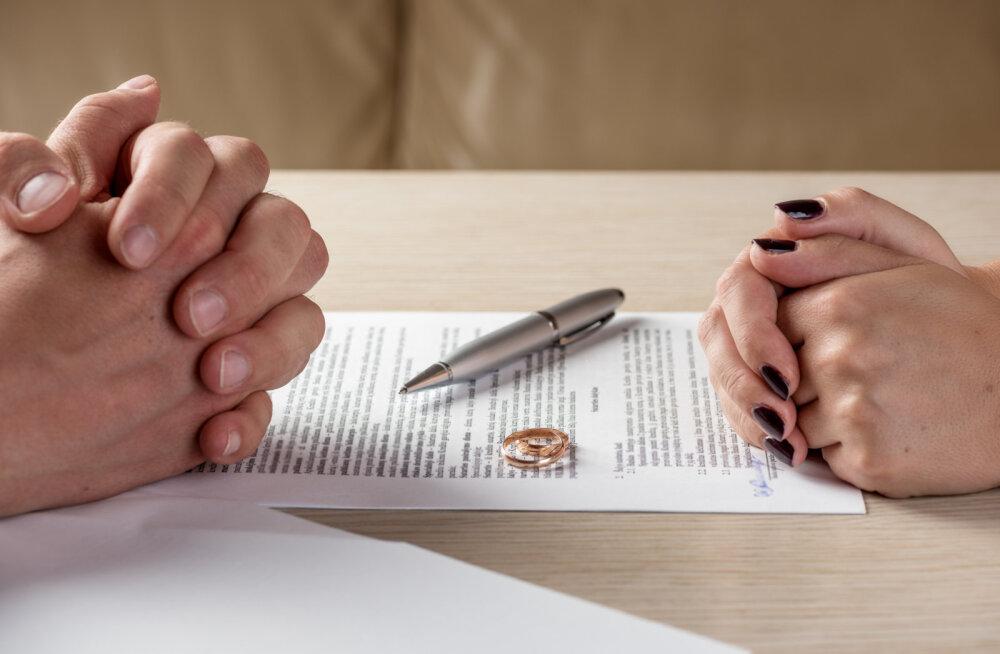 Aus ülestunnistus: ma ei julge oma lähedastele öelda, et lahutan, sest tunnen ennast täieliku läbikukkujana