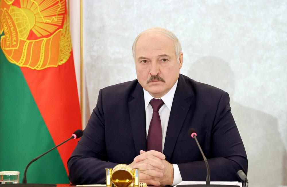Lukašenka: NATO moodustab sõjalist grupeeringut Valgevene lääneosa hõivamiseks