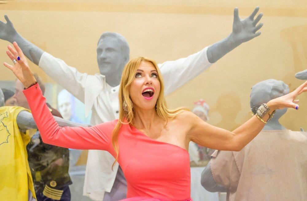 Kas skandaalne paljastusajalugu kordub? Anu Saagim asub lauluväljakul kolmapäeval taas hiigeltorti kaunistama!
