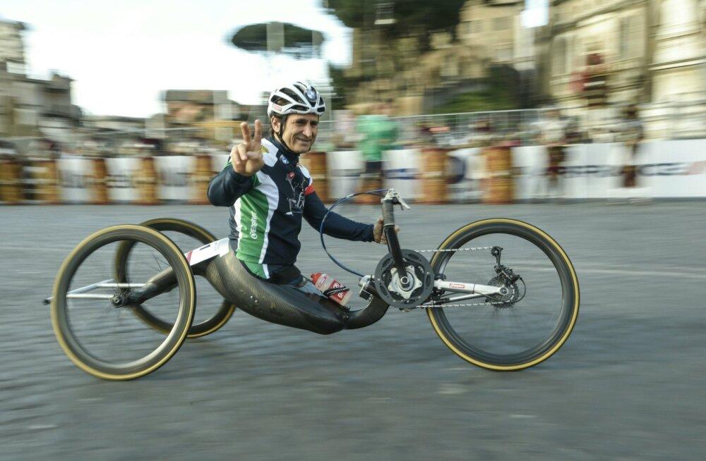 Mõlemad jalad kaotanud Alex Zanardi jätkas autovõidusõitu ja võitis ratastoolisõidus neli olümpiakulda.