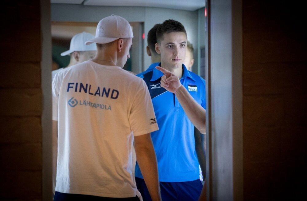 Võrkpalli EM Poolas. Enne otsustavat mängu Soomega algas vastase töötlemine juba hotelli liftis.