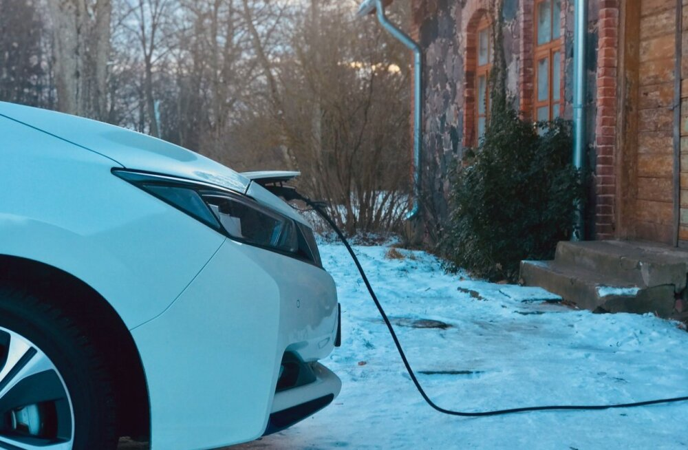 Hea teada: kas elektriautot võib tavapistikust laadida ja kas see paneb maja põlema?