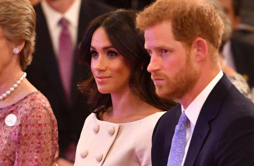 FOTOD | Sussexi hertsoginna Meghan üritas oma abikaasa kätt hoida, kuid Harry andis talle üllataval põhjusel korvi