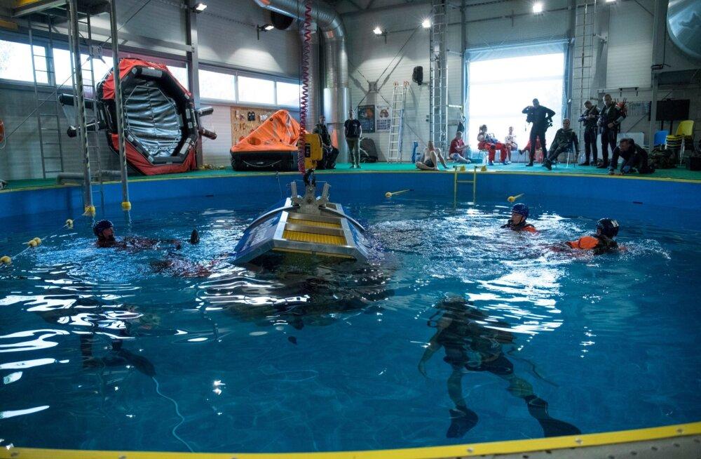 Baltic Bikini õppus, kus harjutatakse tegutsemist vette vajunud õhusõiduki kabiinist pääsemiseks
