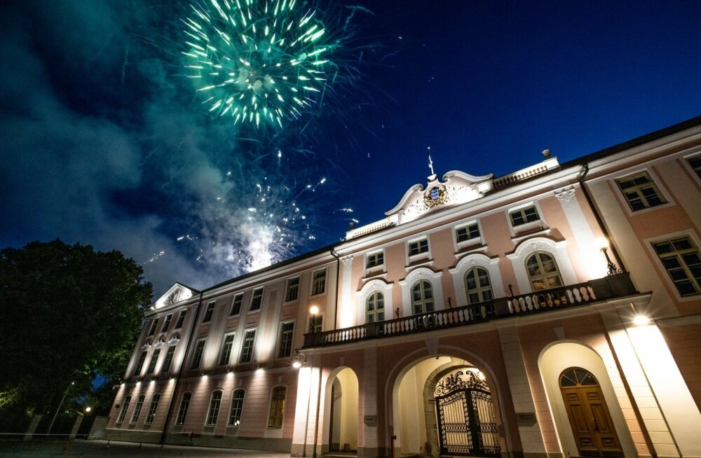 Салют в Таллинне в годовщину вывода российских войск