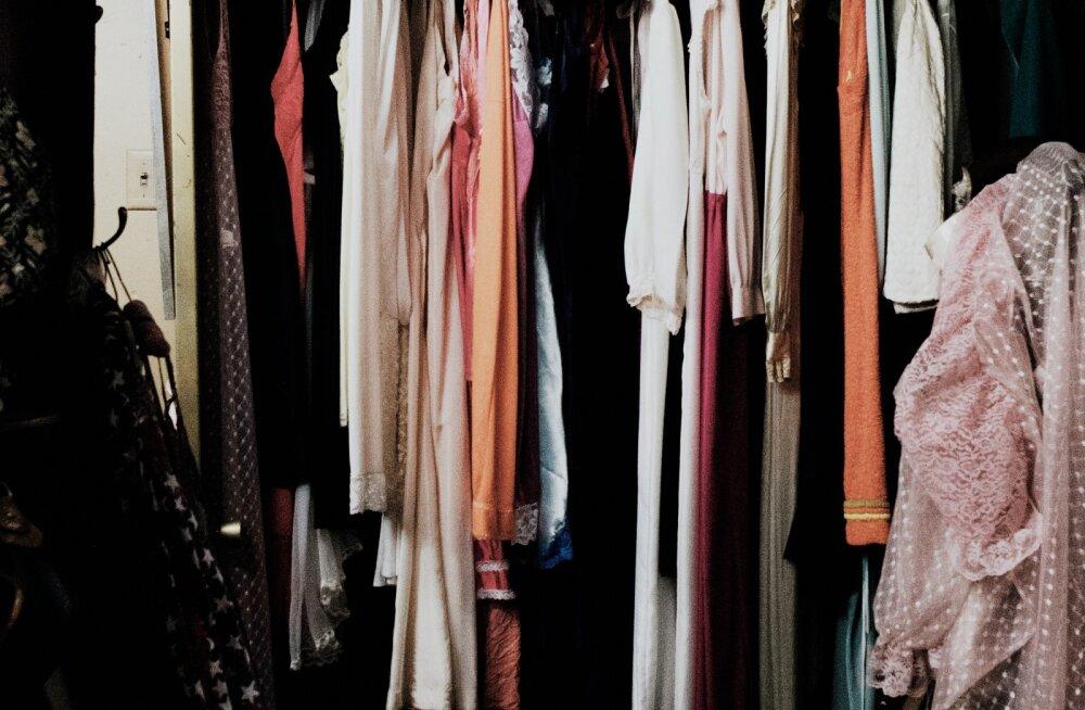 10 asja sinu riidekapis, millest sa pead kohe vabanema, sest need koguvad tolmu ja võtavad ruumi