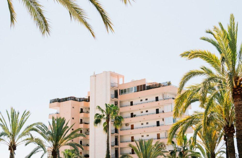 В Испании бездомные и мигранты стали захватывать недвижимость иностранцев, пустующую из-за закрытых границ