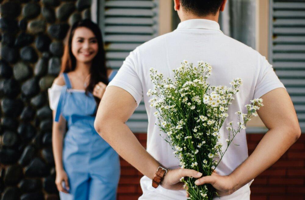 Nipid värskelt armunutele: 5 põhilist viga, mida uut suhet alustades tehakse ja 5 viisi, kuidas peaksid tegelikult käituma