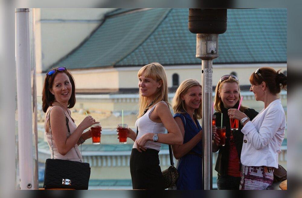 Robbie Williamsi kontsertvideo osa filmiti restoran komeet katuseterrassil