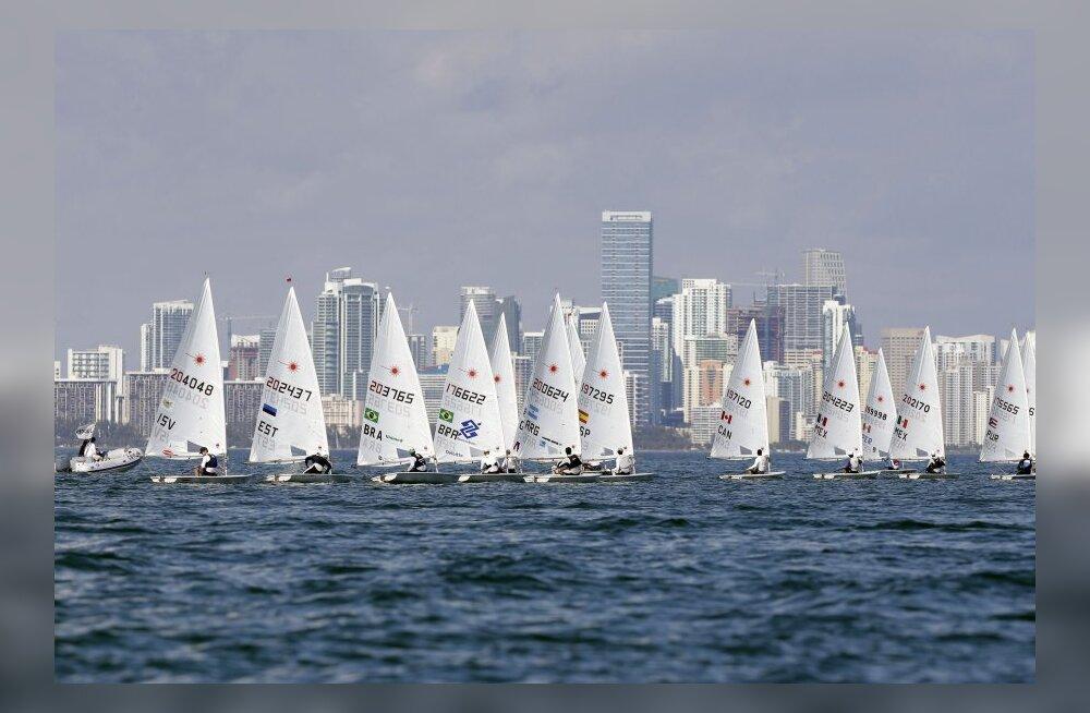 Miami MK etapil kimbutas purjetajaid eile tuulevaikus