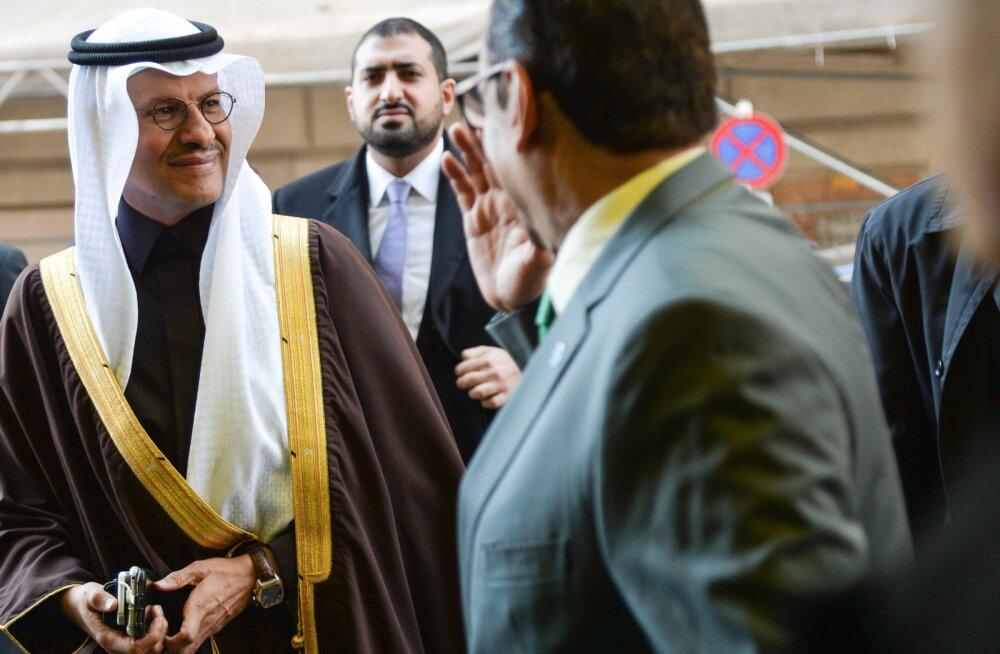 Saudi Araabia energiaminister Abdulaziz bin Salman OPECi kogunemisele saabumas.