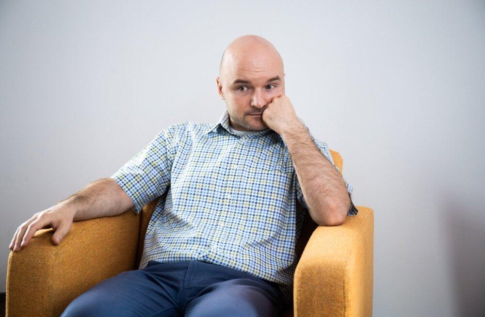 Dmitri Teperik väidab, et ei teadnud paremäärmuslikest sidemetest midagi, kuid info on EA kodulehel olemas.