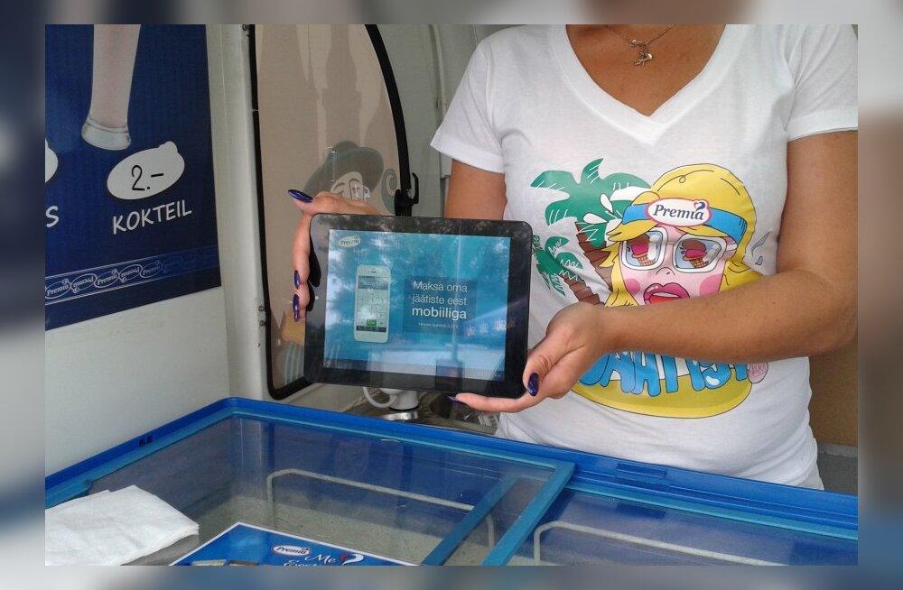 Neljas Eesti rannas saab jäätise eest mobiiliga maksta