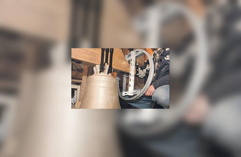 Kuusalu kiriku tornis löövad uued kellad