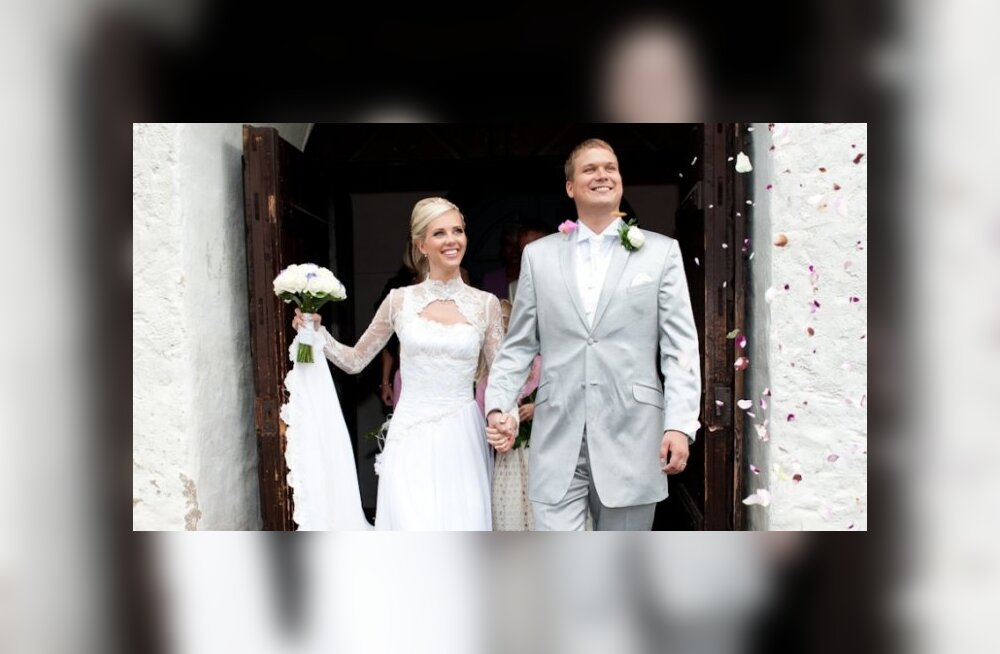 SUUR GALERII: Ines Karu abiellus täna suurejooneliselt Viljandis
