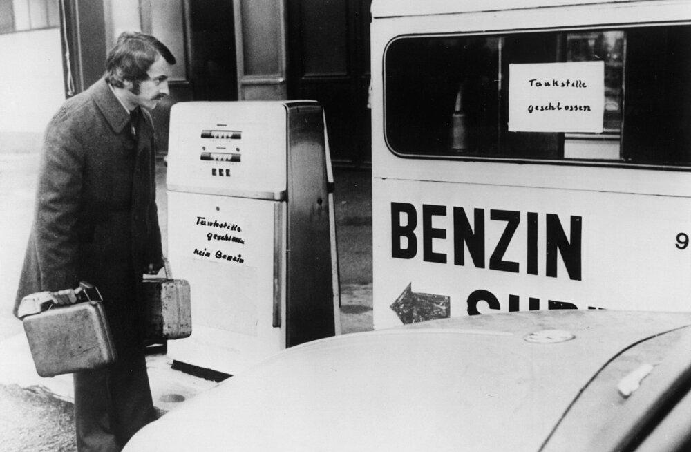 1973. aasta naftakriisi ajal olid paljud bensiinijaamad suletud.