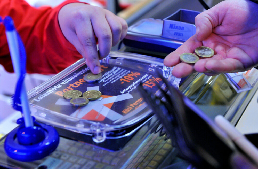 Падение российской валюты может сурово ударить по части живущих в Эстонии пенсионеров